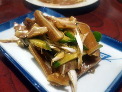 西船橋の中華居酒屋「猿八」の豚耳の醤油煮